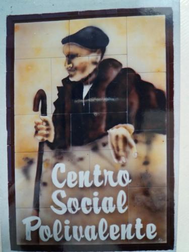 Cartel del centro social polivalente